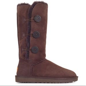Ugg Bailey Triple Button Boot In Chocolate 🎀